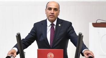 """""""EMEKLİ HEKİMLERİ MAĞDUR ETMEYİN"""""""