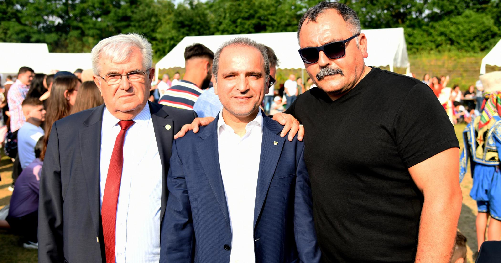AVCU'YA YANIT DUİSBURG BELEDİYE BAŞKANI'NDAN