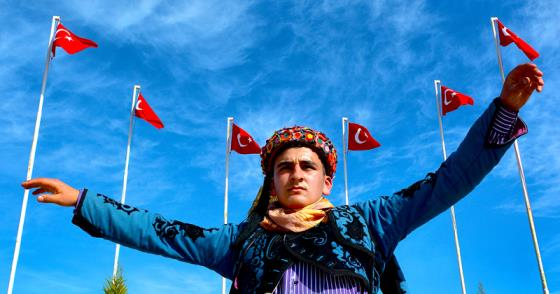 """İPEK'TEN """"BAYRAK"""" TEMALI SERGİ"""