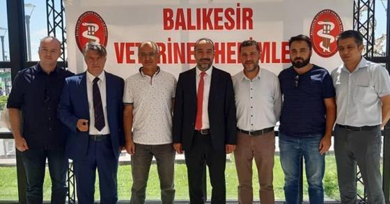 """""""VETERİNER HEKİMLER OLMAZSA TOPLUM SAĞLIĞI DA OLMAZ"""""""