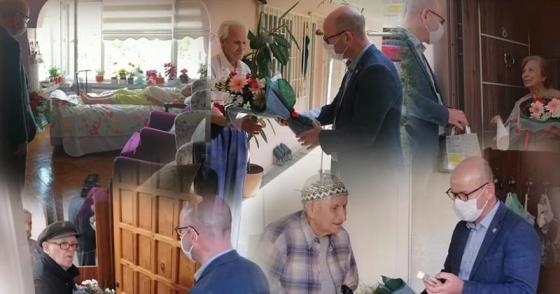 CHP'NİN EMEKTARLARINA BAYRAM KUTLAMASI