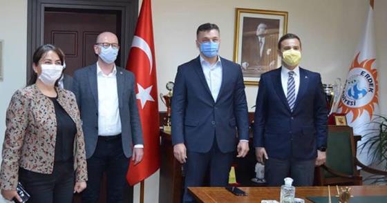 """""""CHP'Lİ BELEDİYELER SALGINLA MÜCADELEDE BAŞARILI"""""""